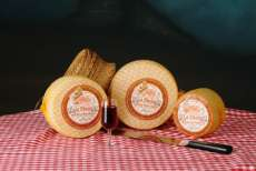 Manchego cheese La Desica